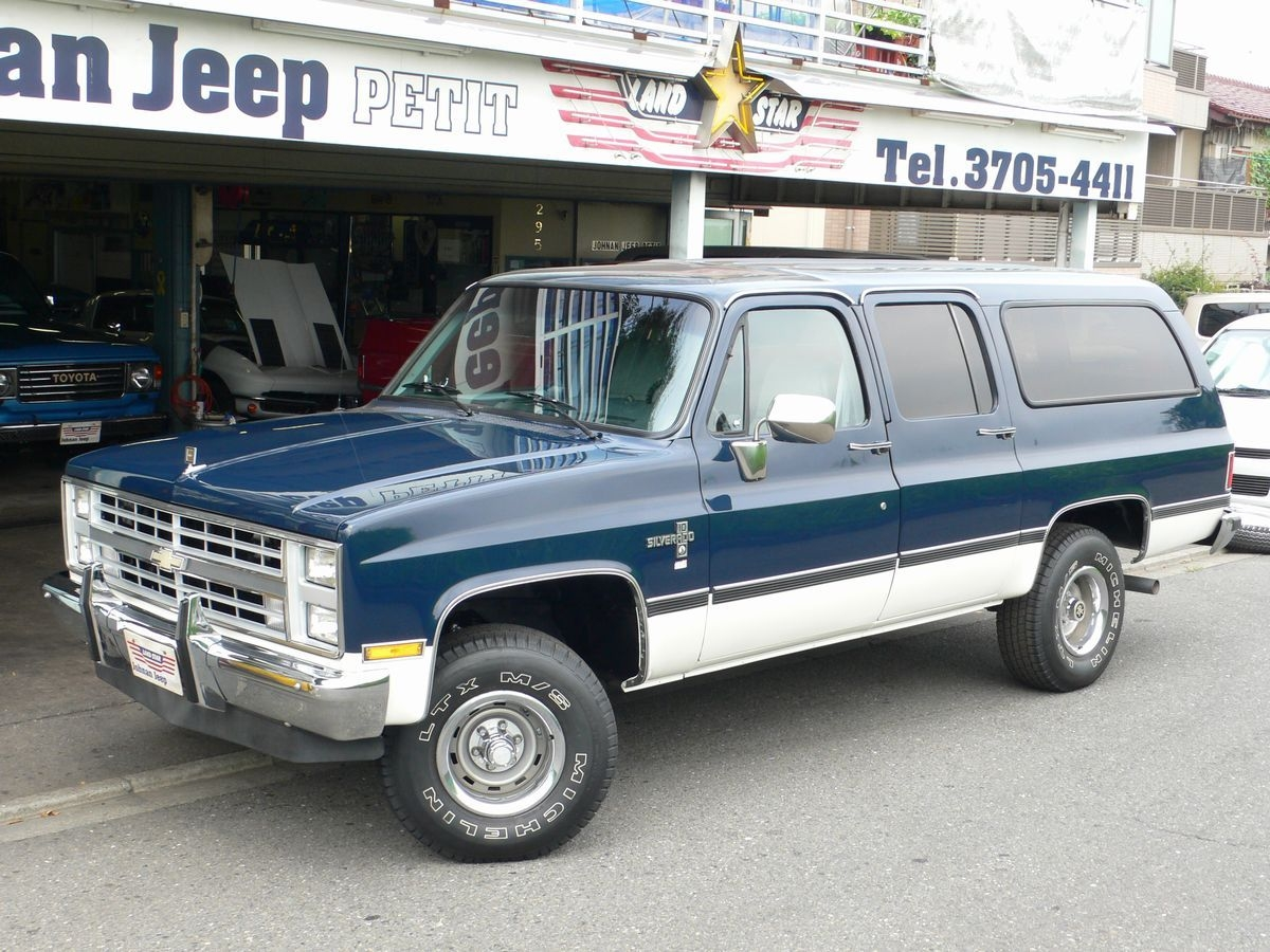 88 Chevy Silverado http://blog.johnanjeep.jp/data/2012/10/09/88-chevy-v-10-suburban-silverado/