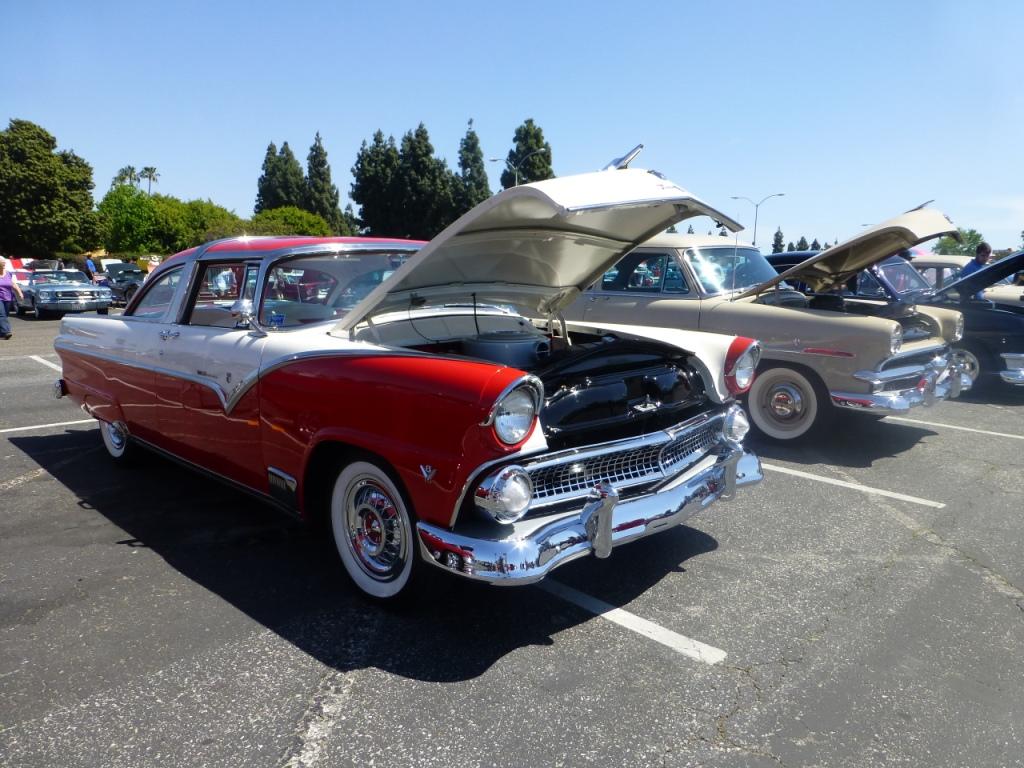 1955年 フォード フェアレーン Tudor Club Sedan
