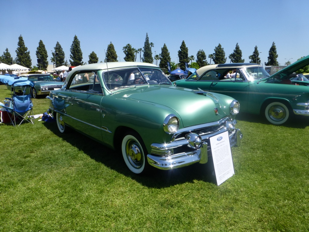 1951年 フォード カスタム ヴィクトリア(フォード初のハードトップ)