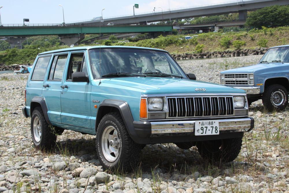 1995年 弊社にて新車として輸入いたしましたジープ XJ チェロキー。
