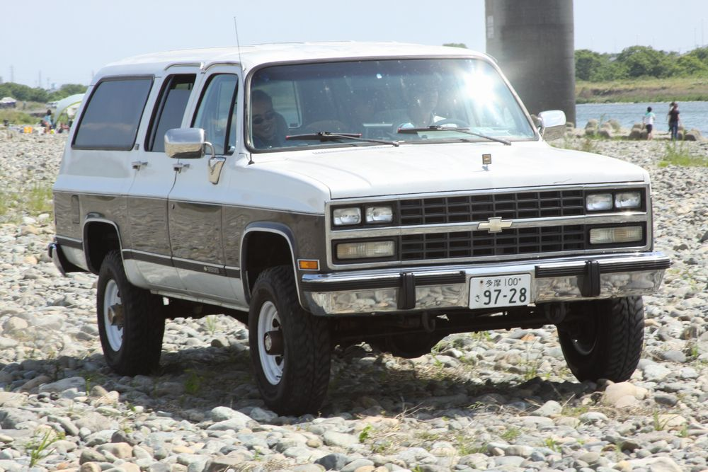 91年 シボレー V2500 サバーバン 4WD 4L80Eトランスミッションを搭載したH/Dモデル。