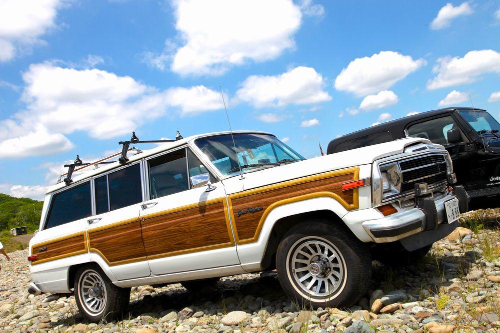 1990年ジープ グランドワゴニア  (Jeep Grandwagoneer)