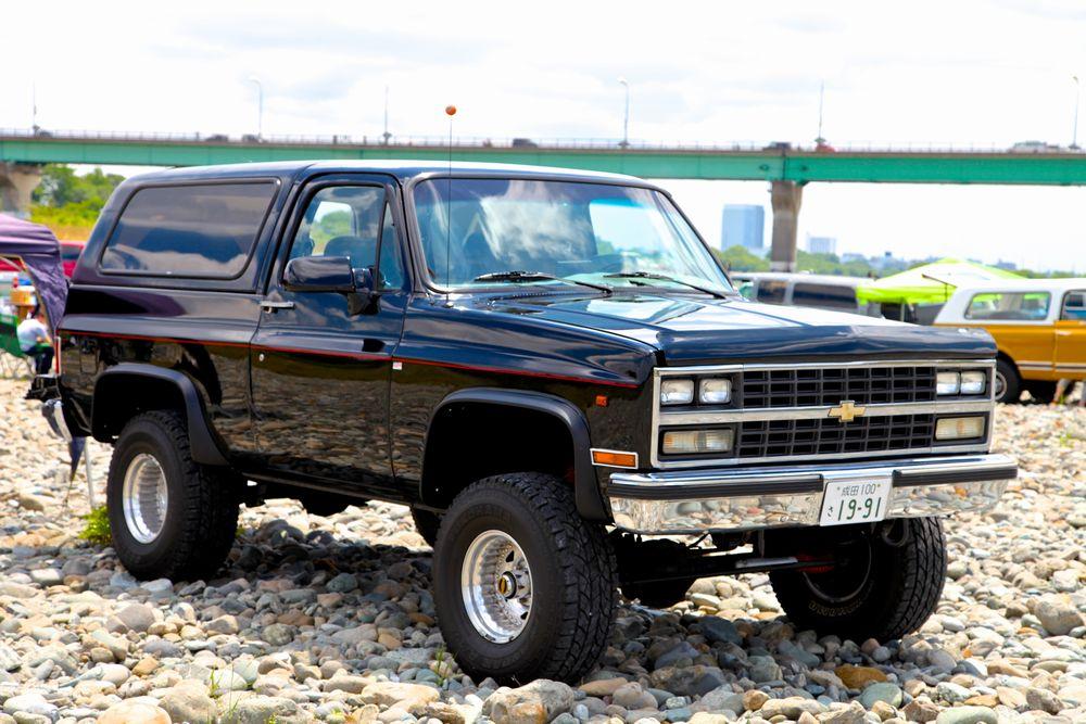 90年シボレー K5ブレーザー スターパッケージ 4WD フロント4インチ、リア2.5インチの「テイクオフスタイル」が魅力的。