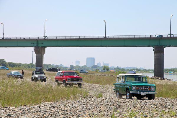 新旧アメ車 4WD SUV。 フォード アーリーブロンコ、GMCジミー、ジープ ラングラー。