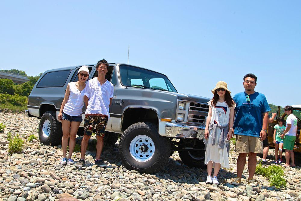 新潟県より2度目のご参加。Y様ご夫妻とお友達ご夫妻。 88年 シボレー V20 サバーバン スターパッケージ 4WD。