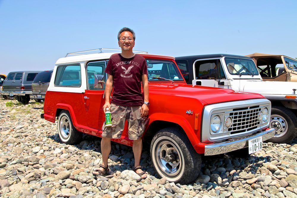 30年近くお付き合いをさせていただいております神奈川県在住O様。今年のイベントにはアメリカでも滅多にお目にかかれない`72 Jeep Commando V8(ジープ コマンドー)でお越しいただきました。